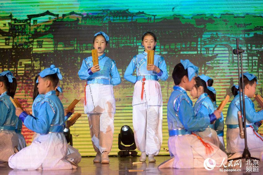 北京扬州共话公益诗朗诵者举办美丽十渡十渡的小学重点图片