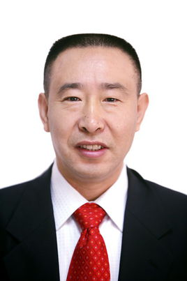 王中华区人大常委会党组成员、副主任男,汉族,1962年8月生,天津市人,1994年9月加入中国共产党,1985年8月参加工作,大学毕业(北京农学院果树专业),农学学士,工程师。