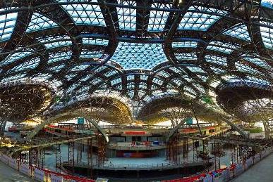 北京新机场主航站楼工程封顶封围