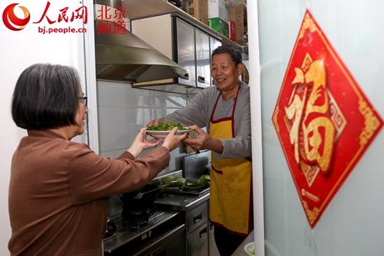 """北京老旧""""排子楼""""改造朝西社区居民终于有""""私厨"""""""