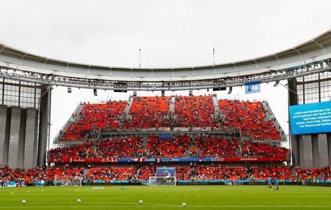 世界杯观赛坐席不够? 叶卡捷琳堡体育场有妙招