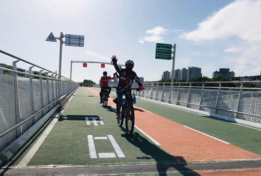 """看""""回天行动""""一年带来哪些变化 去年8月16日,北京市发布实施《优化提升回龙观天通苑地区公共服务和基础设施三年行动计划(2018-2020年)》,一年来,回天地区到底发生了哪些喜人的变化?【详细】"""