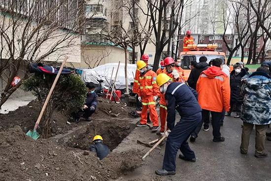 北京牛街雪夜��修�崃�管道及�r供