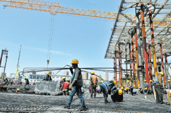 5万筑城者坚守副中心建设一线300余个重点工程节日不停工